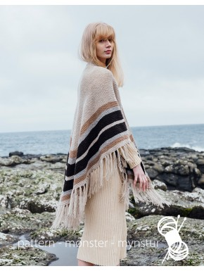Faroese shawl With Stripes
