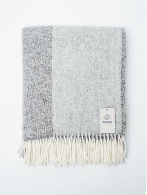 Lysegråt/mellemgråt vævet tæppe