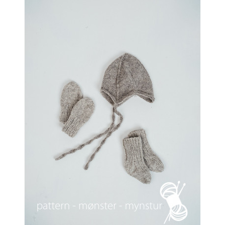 Baby hat, mittens & socks